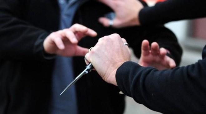 minaccia da coltello